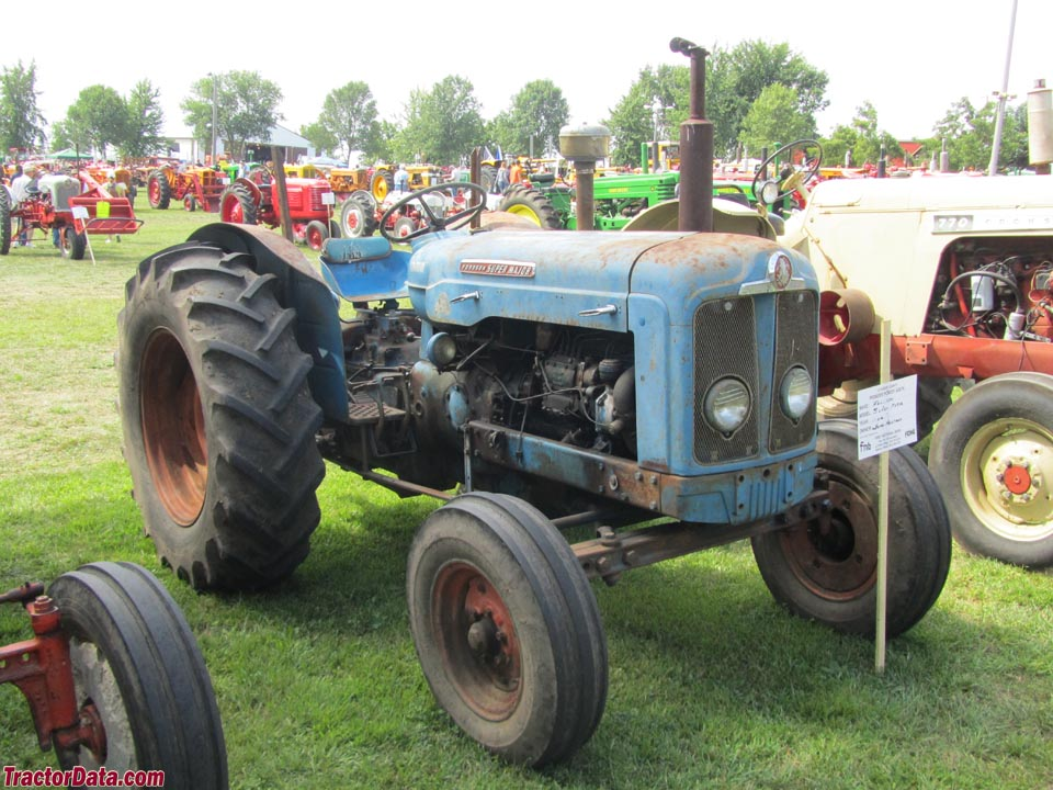 fordson major backhoe with 1829 Fordson Super Major Photos on Viewtopic besides 261234028744 moreover 405042560210477769 together with Vintage Tractors besides Fordson Major Super Major Tractors Parts List Manual 1952 1964 Multilingual Cd 508714237.