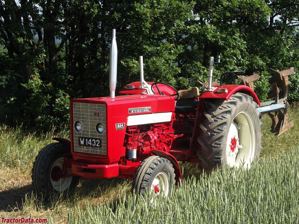 TractorData.com International Harvester 624 tractor photos ...