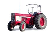 International Harvester 1046 tractor photo