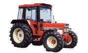 International Harvester 833 tractor photo