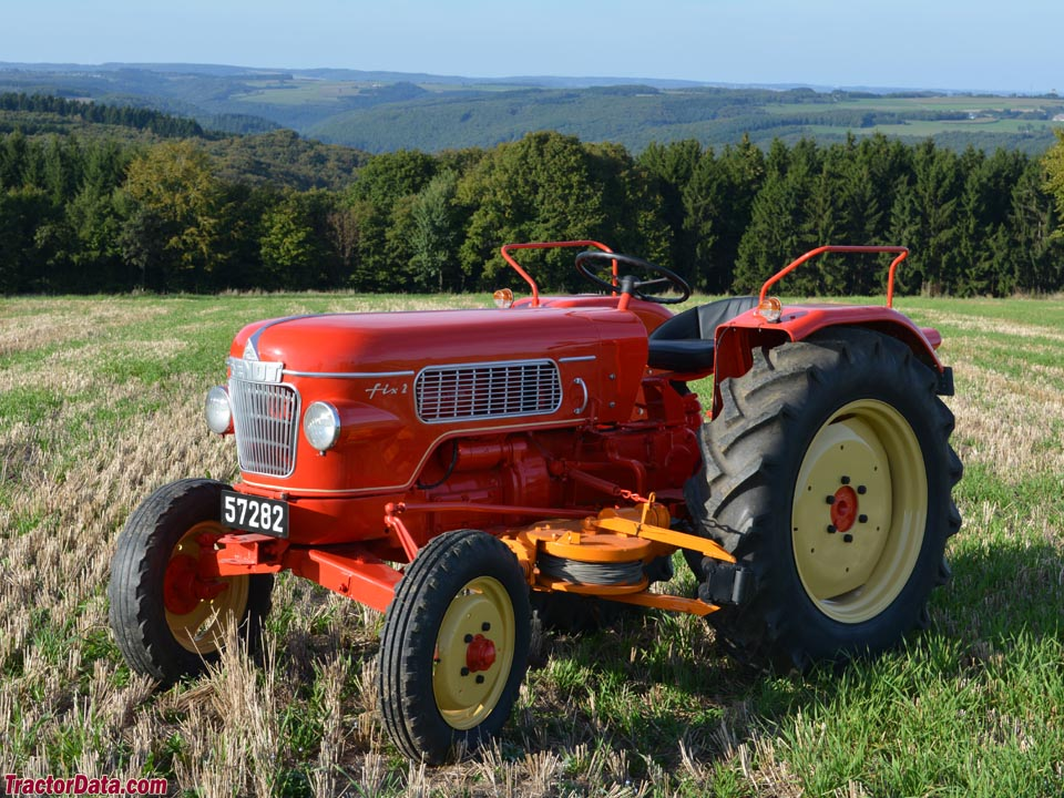 Red special-order Fendt Fix 2 from Luxembourg.