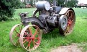 International Harvester Mogul 10-20 tractor photo