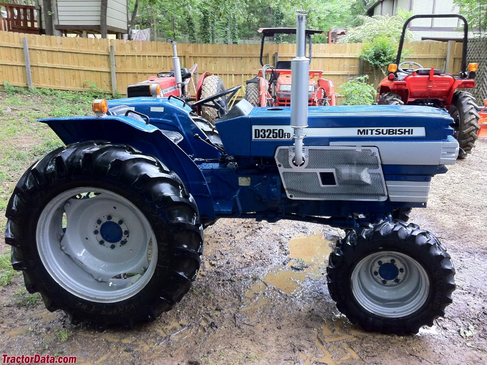 Mitsubishi Tractor Mower Deck : Lawn tractor engine free image for user