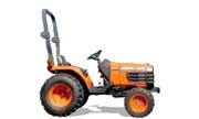 Kubota B7400 tractor photo