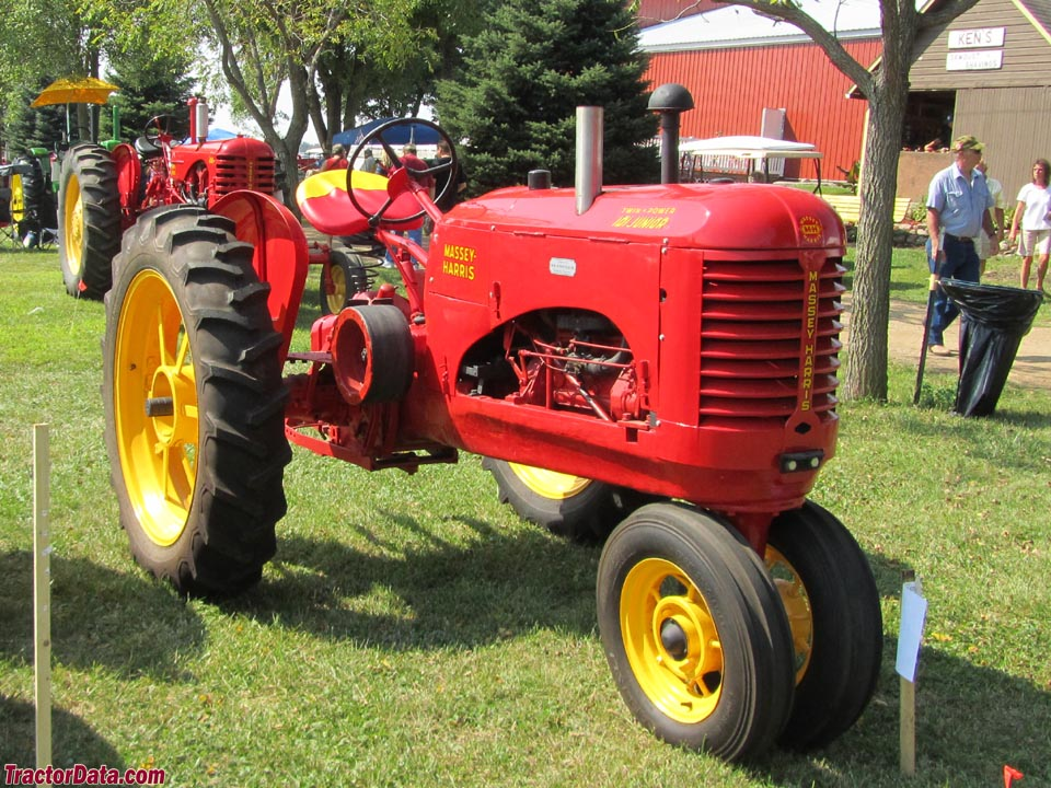 Massey Harris 101 Junior with tricycle front end.