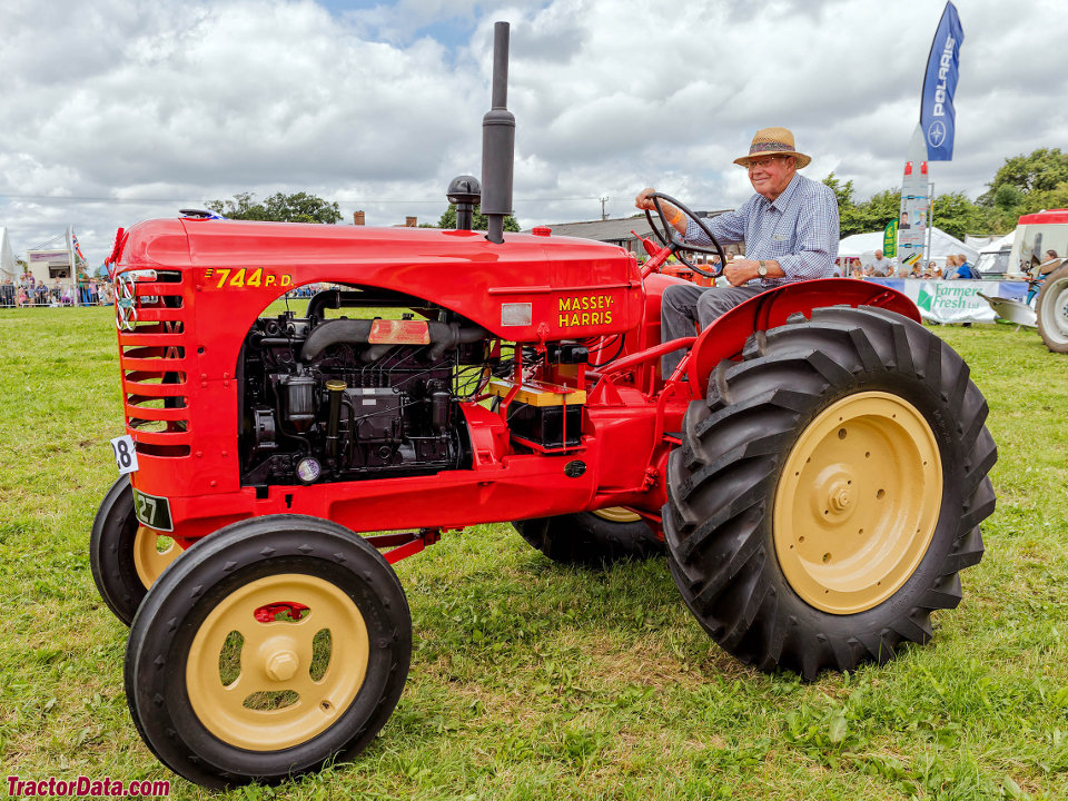 Massey Harris 744 : Tractordata massey harris tractor photos information