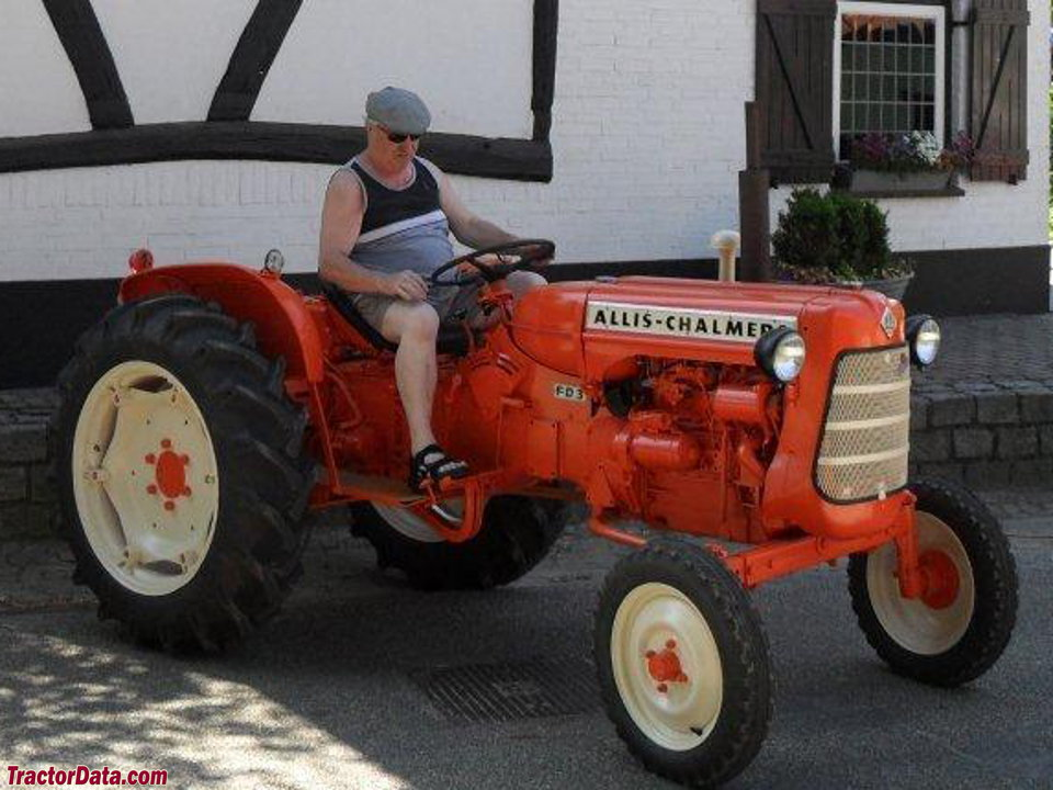 Allis-Chalmers FD3, right-front view