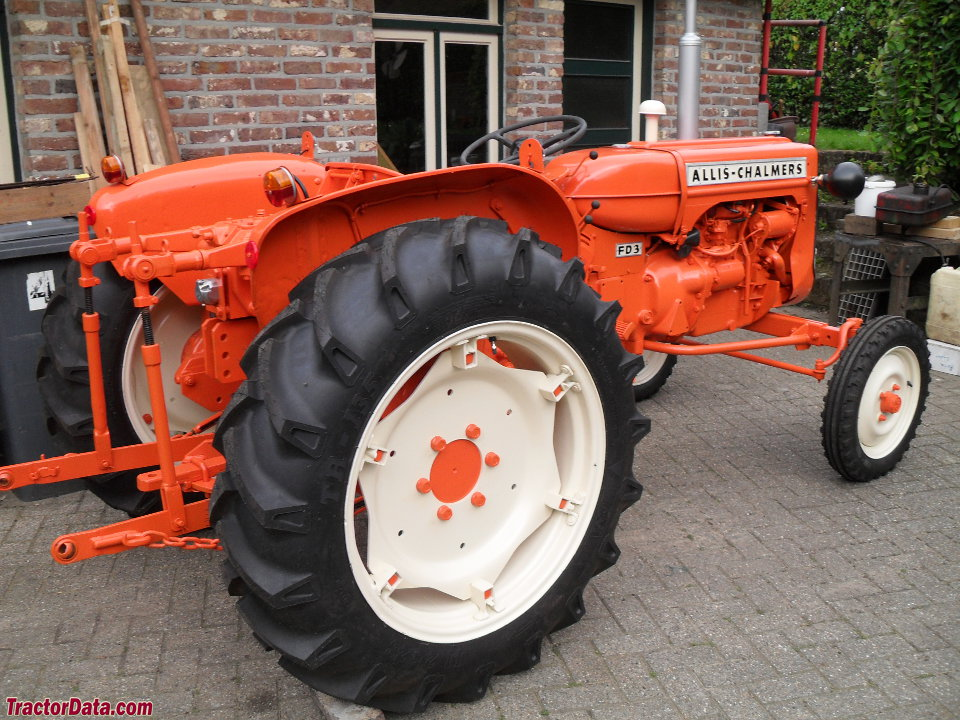 Allis-Chalmers FD3, right-rear view
