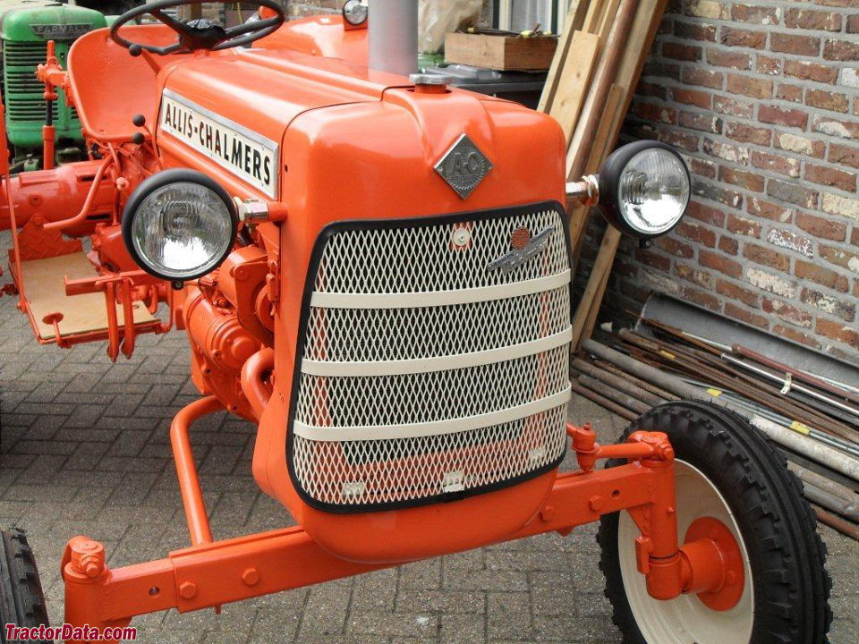 Allis-Chalmers FD3, detail of hood and grille