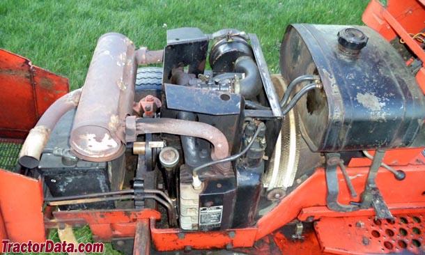 Allis Chalmers 720  engine photo