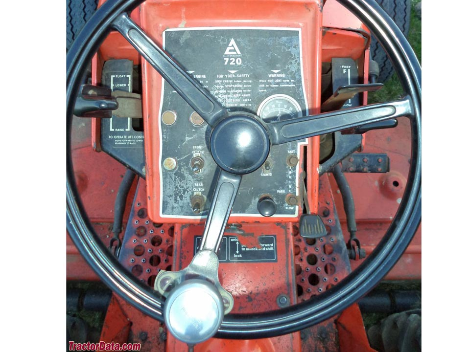 Allis-Chalmers 720 operator station and controls.