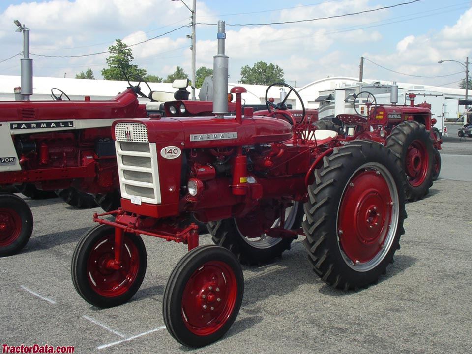 Farmall 140 Hi-Clear.