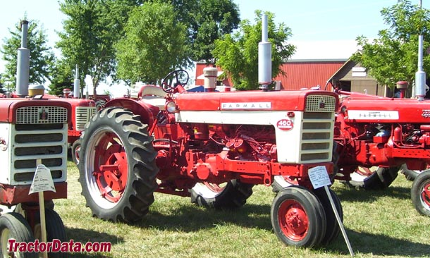 Tricycle-front Farmall 460