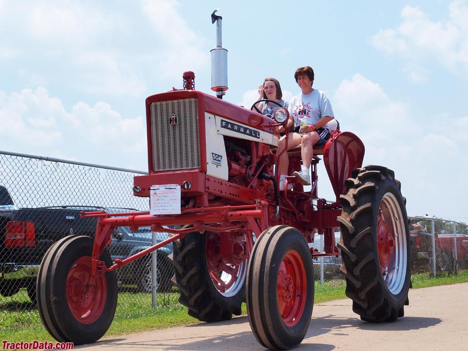 Farmall 504 Hi-Clear.