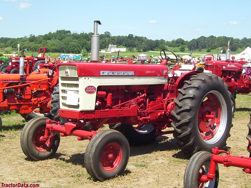Farmall 560 with diesel engine and wide front.