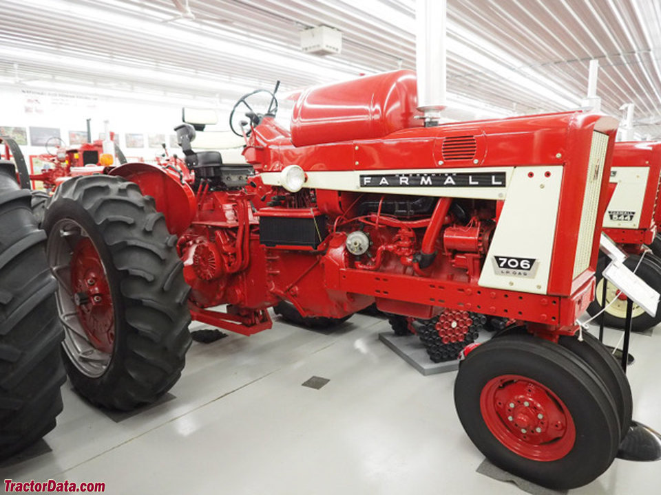 Farmall 706 with LP-gas engine.