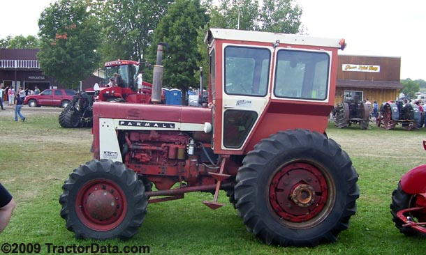 Farmall 806 with four-wheel drive and cab