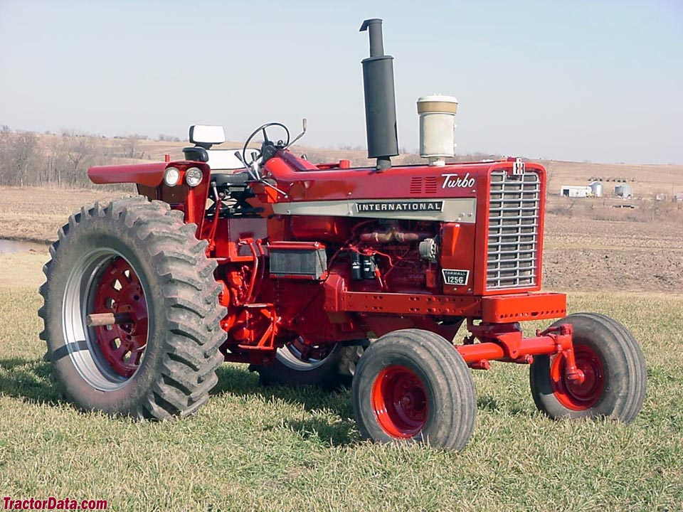 Farmall 1256, left side.