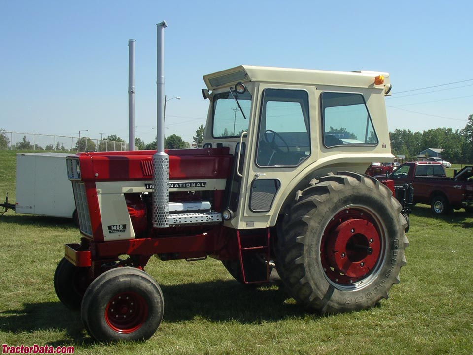 Farmall 1486 with cab.