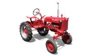 Farmall Cub tractor photo