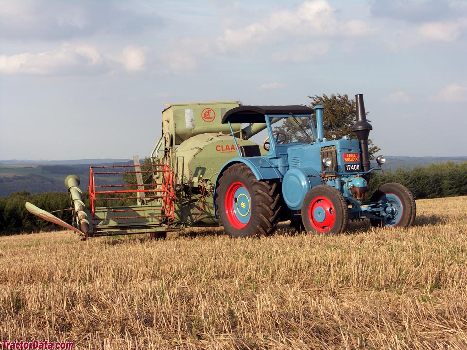 Lanz D9511 with Claas combine.