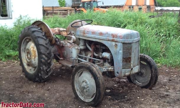 www.tractordata.com/photos/F005/5040/5040-td3b.jpg