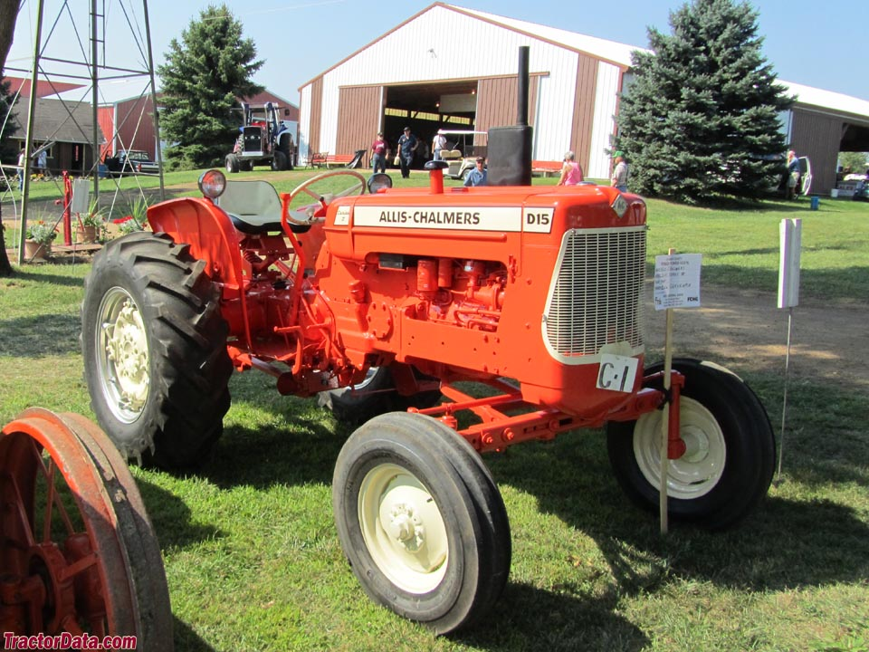 Allis-Chalmers D15 Series II with wide front end.
