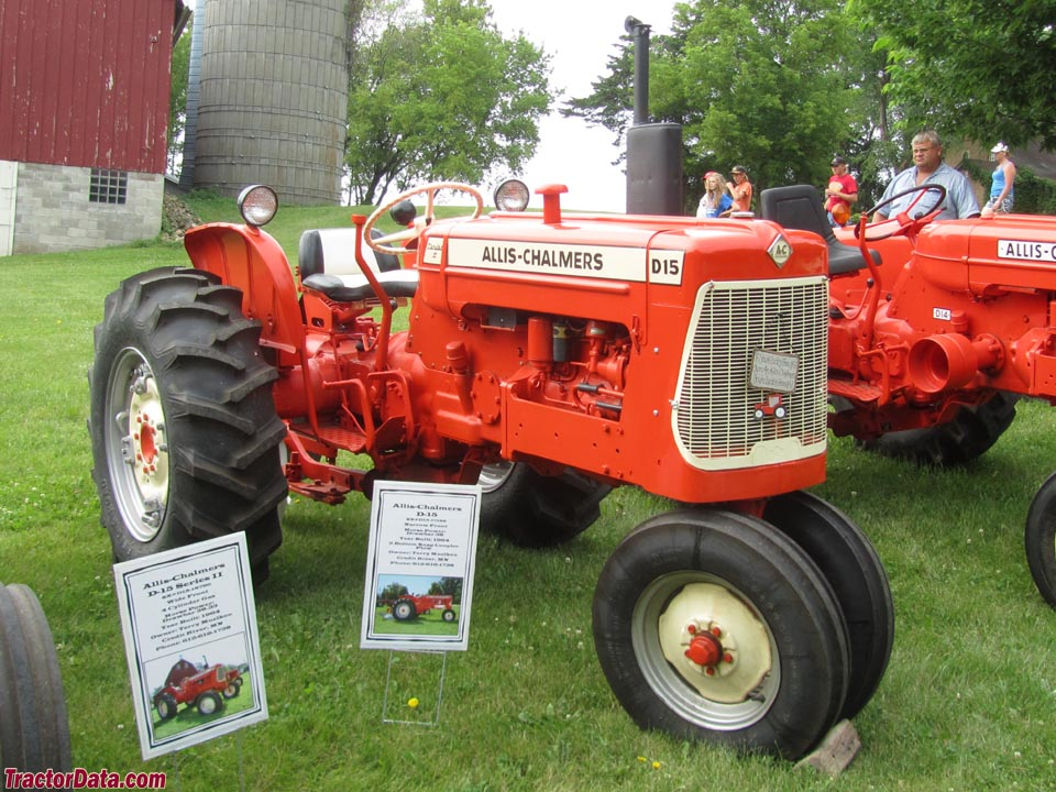 Allis-Chalmers D15 Series II with tricycle front end.