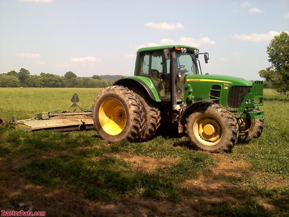 John Deere 7430 Premium, right side.