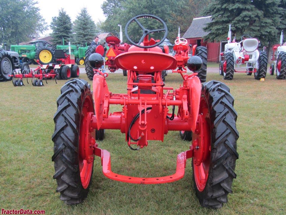 Tractor Data Farm Tractors : Tractordata earthmaster ch tractor photos information