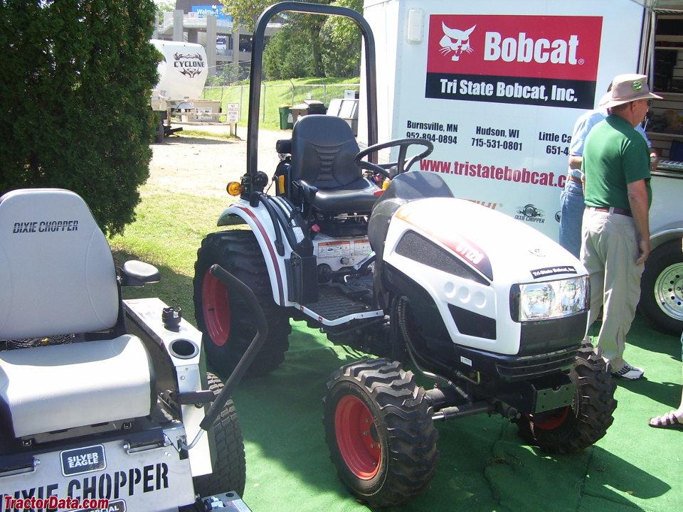 TractorData com Bobcat CT120 tractor photos information