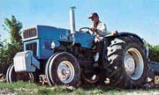 Long 550 tractor photo