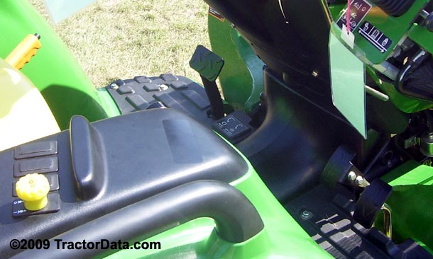 John Deere 3038E  transmission photo