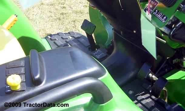 John Deere 3038E  transmission photo