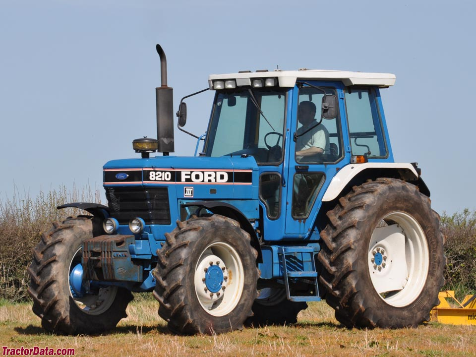 Ford 7810 Series III.