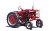 Farmall 130 Hi-Clear tractor photo
