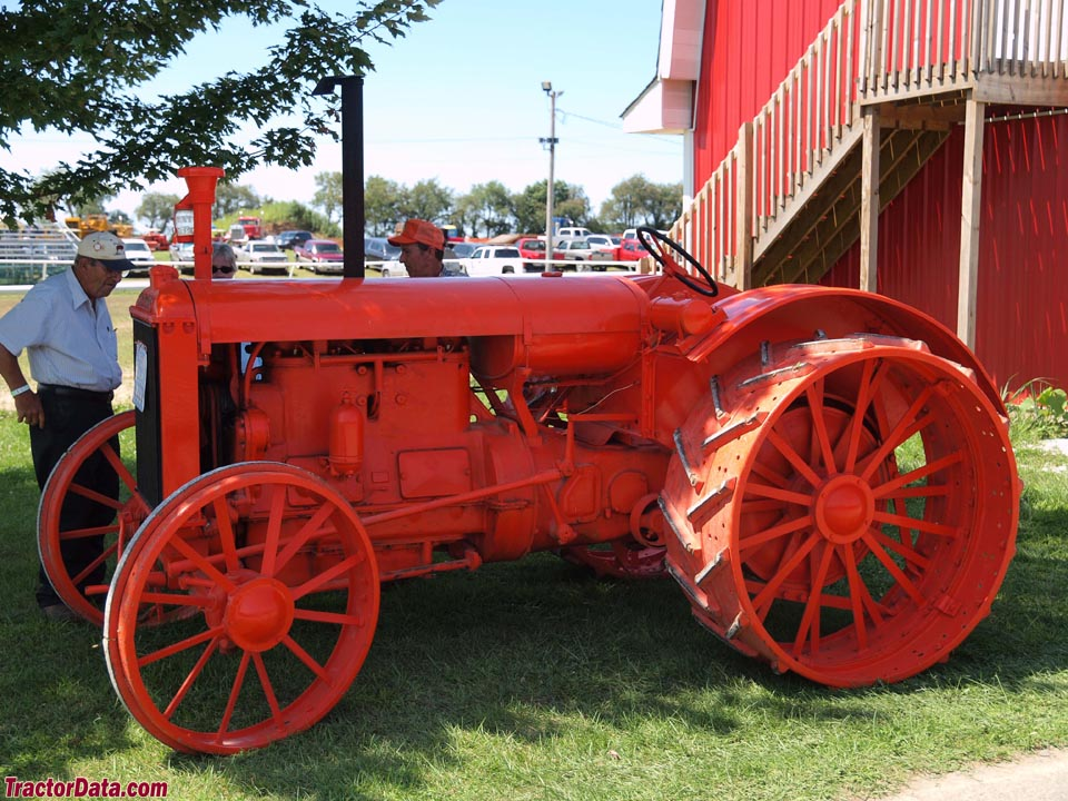 Allis-Chalmers E 30-60, left side.