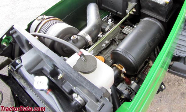 John Deere 1023E  engine photo