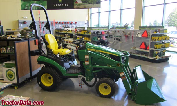 John Deere 1026R, right view