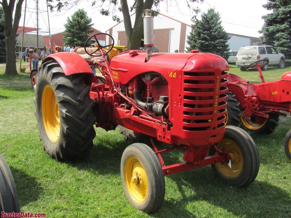 Massey Harris Tractor : Tractordata massey harris standard tractor photos