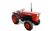 Kubota L2000 tractor photo