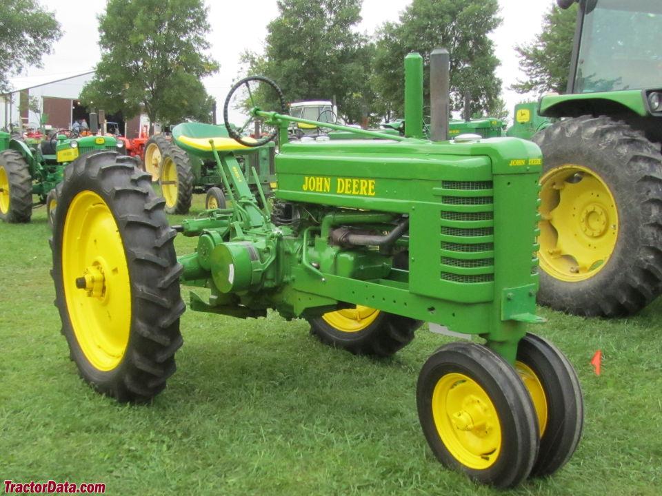 Antique John Deere Tractor Pulling The last 20 or 30 feet