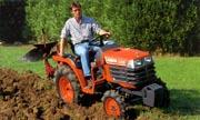 Kubota B1610 tractor photo