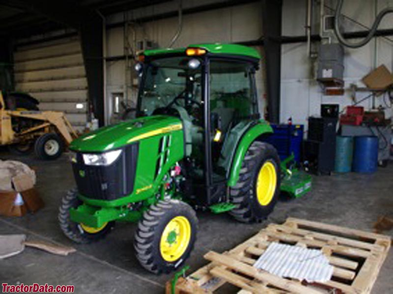 John Deere 3046R with cab.