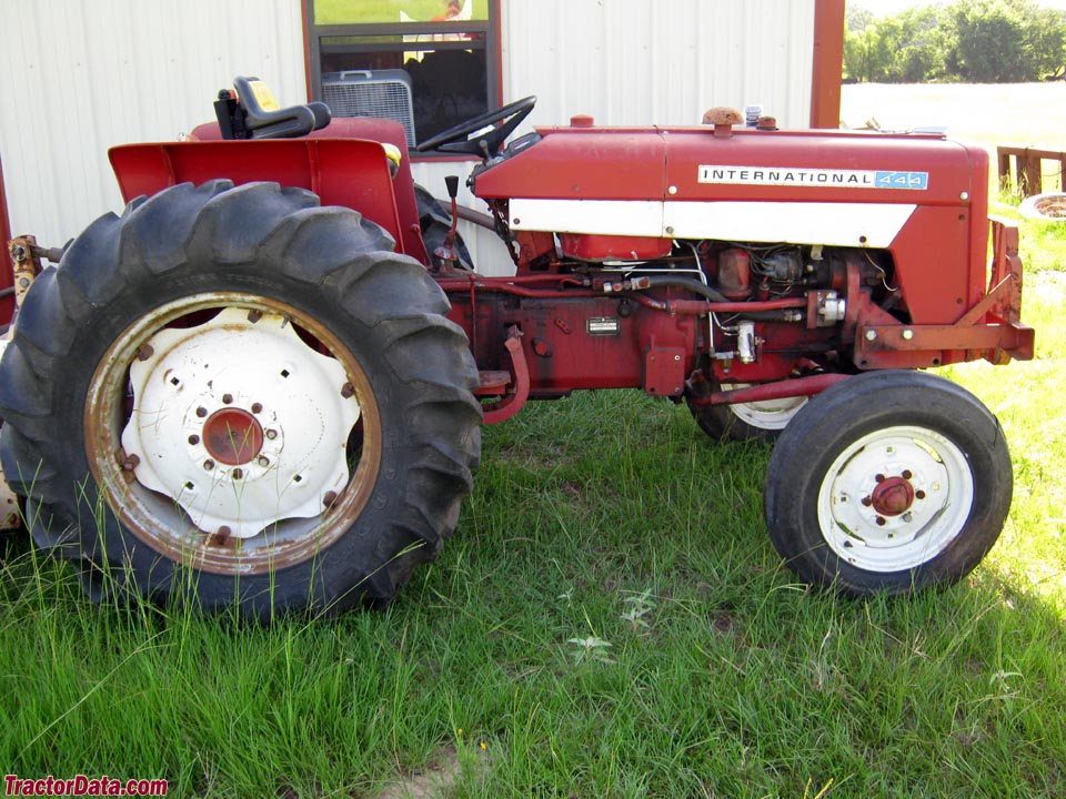 1974 International model 444 utility tractor.