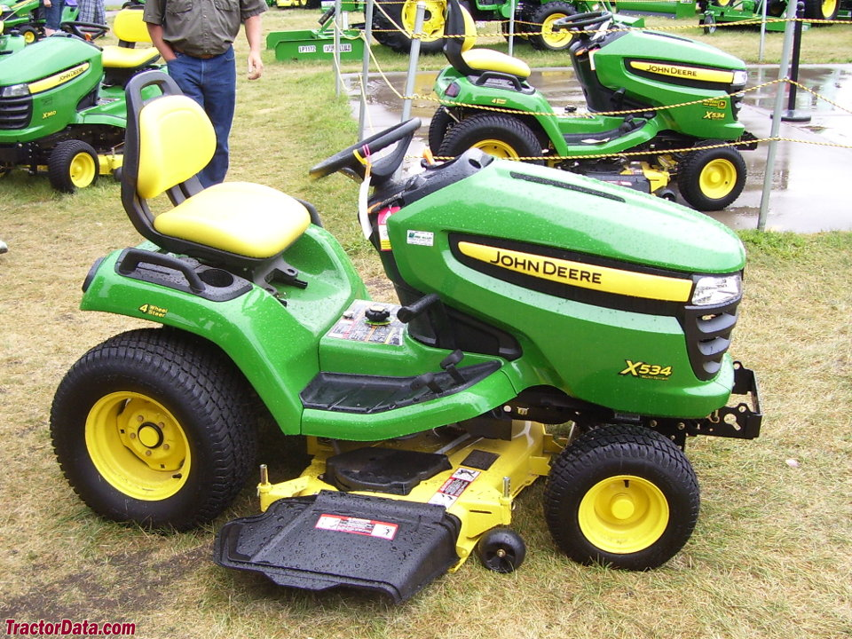 Right-side profile of the Deere X534.