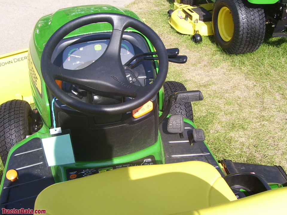 John Deere X724 Ultimate operator station and controls.