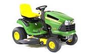 John Deere LA110 lawn tractor photo