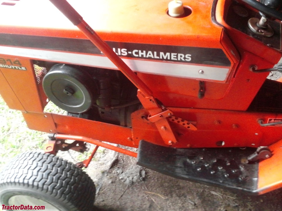 Left side of the Allis-Chalmers 914 Shuttle.