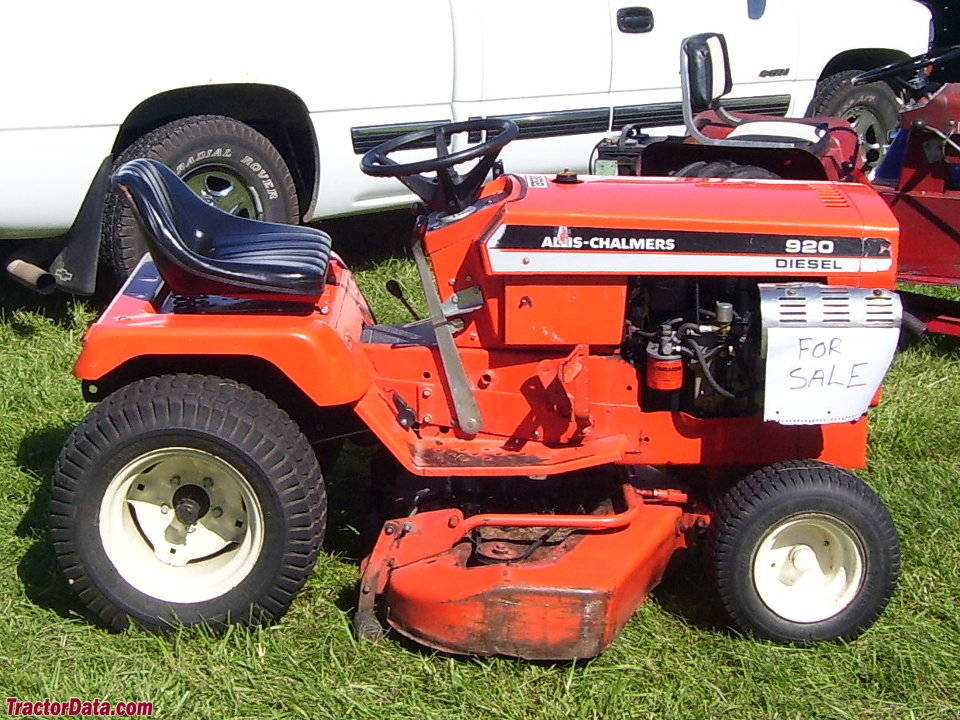 Allis-Chalmers 920 garden tractor.